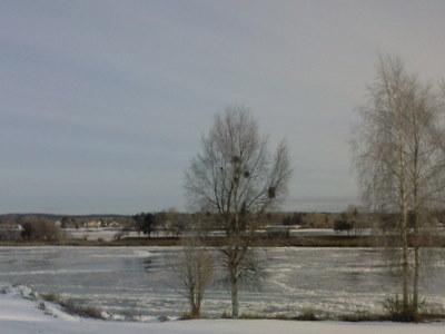 Isen lägger sig på älven