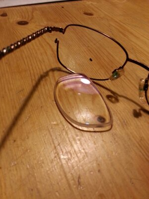 Trasiga glasögon